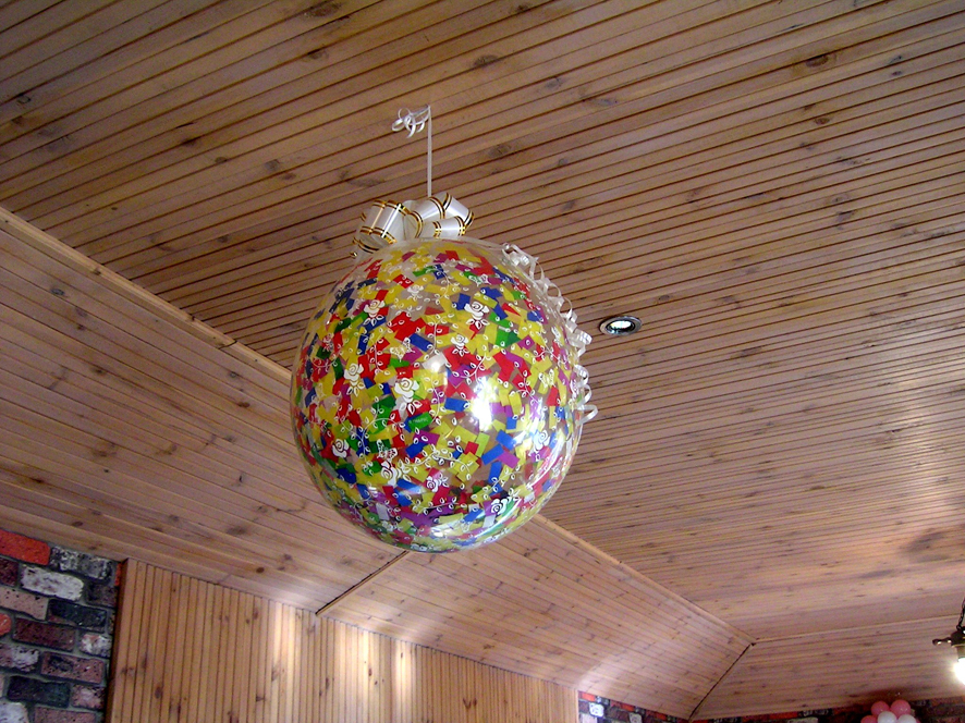 Как сделать воздушный шар с конфетами