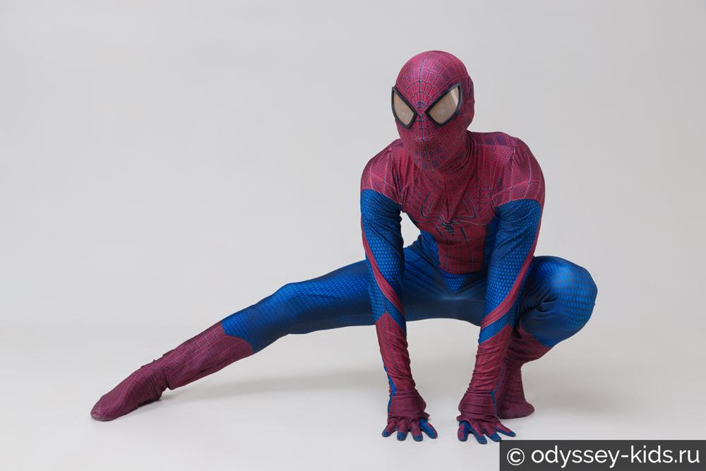 Костюм нового человека паука